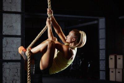 Väggdekor Kvinnlig crossfit idrottare utövar