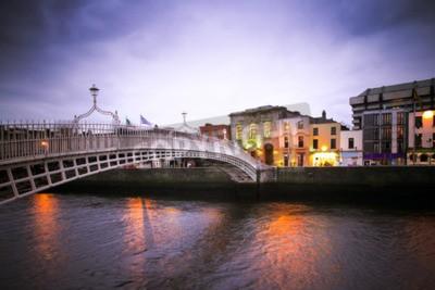 Väggdekor Landmark Ha'Penny bron över floden Liffey i Dublin