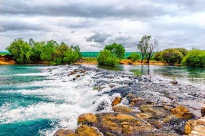 Väggdekor Liten bäck och vattenfall i bevarad natur