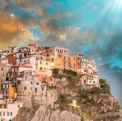 Väggdekor Manarola, Cinque Terre. Solnedgång över fem Lands, Italien