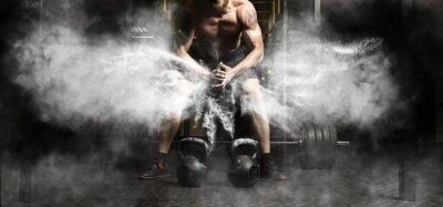 Väggdekor Muskulös man träning med kettlebell på gym