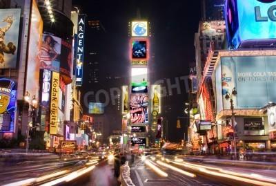 Väggdekor New York - 25 maj 2007: Nattplats av Times Square på Manhattan (New York) med alla upplysta skyltar och annonser