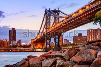 Väggdekor New York City, USA at the Manhattan Bridge spanning the East River.