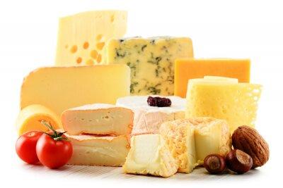 Väggdekor Olika typer av ost isolerad på vit bakgrund
