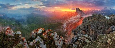 Väggdekor Panorama dramatisk solnedgång i Dolomiterna alp berg från topp NUV