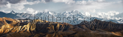 Väggdekor Panoramic view of the snowy mountains in Upper Mustang, Annapurna Nature Reserve, trekking route, Nepal