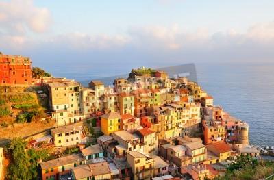 Väggdekor Pittoreska solnedgång färgrik Manarola by (Cinque Terre, Italien)