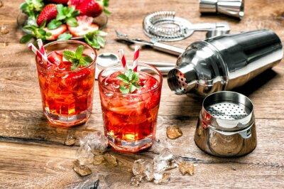 Väggdekor Röd dryck med is. Cocktail gör bar verktyg