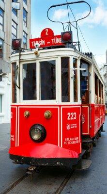 Väggdekor Röd retro spårvagn på Taksim Istiklal Street
