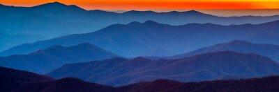 Väggdekor Rökiga berg solnedgång