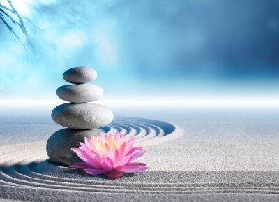 Väggdekor sand, lilja och spa stenar i zen garden