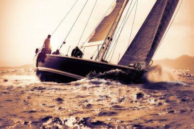 Väggdekor segla båt seglar på solnedgången