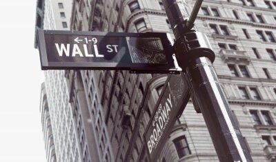 Väggdekor Skyltar vid skärningspunkten mellan Wall och Broadway Streets