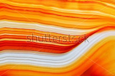 Väggdekor Tvärsnitt av naturlig genomskinlig agat kristall yta, Orange abstrakt struktur skiva mineralsten makro närbild