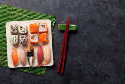 Väggdekor Uppsättning av sushi och maki rulle
