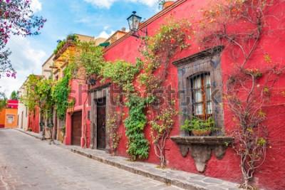 Väggdekor Vackra gator och färgglada fasader på San Miguel de Allende i Guanajuato, Mexiko