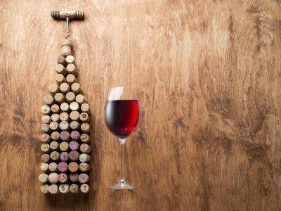 Väggdekor Vin korkar i form av vinflaskan.