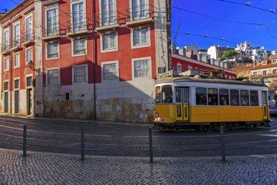 Väggdekor Vintage Lissabon spårvagn på stadsgatan