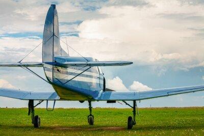 Väggdekor Vintage ljus sportflygplan i kvällsljus
