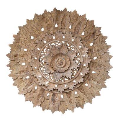 Väggdekor Wooden pattern of flower on carve teak wood in circle shape.