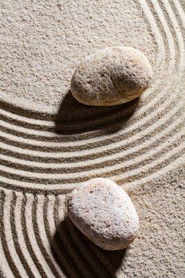 Väggdekor zen sand stilleben - två stenar in över sandlinjer för begreppet andlighet eller lugn, ovanifrån